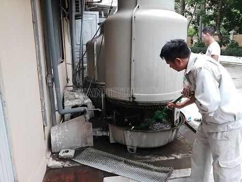 tẩy rửa vệ sinh tháp giải nhiệt