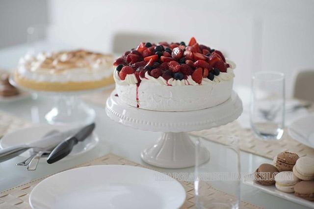 Heavy cream là nguyên liệu để trang trí bánh kem