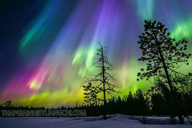 Những đặc điểm đáng chú ý của hiện tượng cực quang