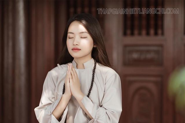 Hoa rơi cửa Phật, vạn sự tùy duyên trở thành hot trend trên mạng xã hội