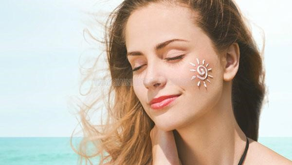 Kem chống nắng không thể thiếu cho da